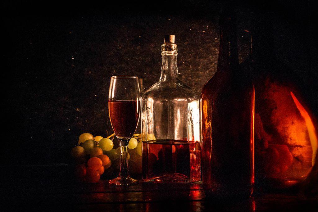 Csendélet borosüvegekkel / Still life with wine bottles (2018)